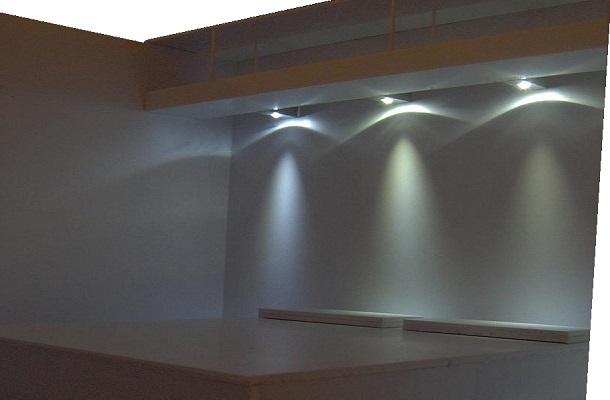 modello plastico illuminato interno