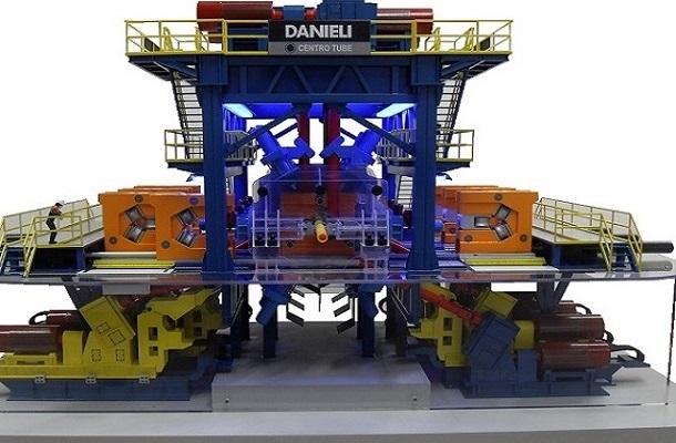 modello plastico impianto industriale dinamico e illuminato